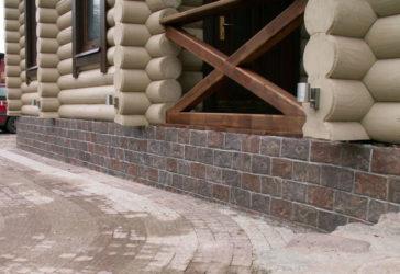 Штукатурка цоколя деревянного дома