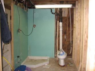 Как построить санузел в частном доме?